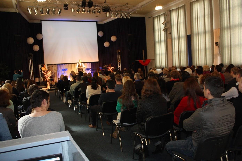 Ostergottesdienst im Gospelzentrum AundO